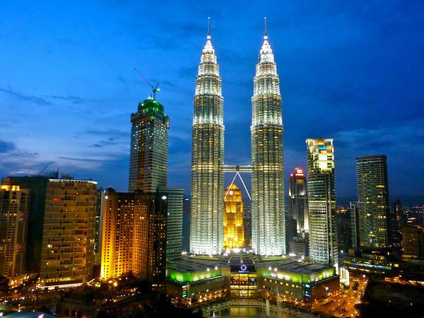 برج های دو قلوی پتروناس مالزی