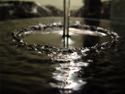 پرش هیدرولیکی در سینک ظرف شویی