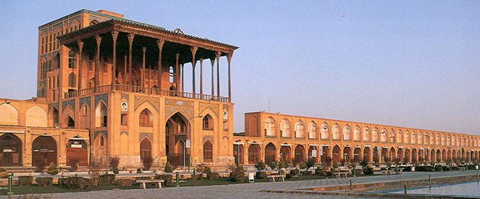 مشخصات عالی قاپو اصفهان