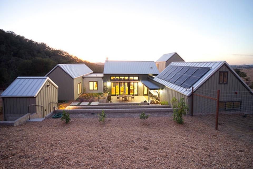 پنل خورشیدی در خانه