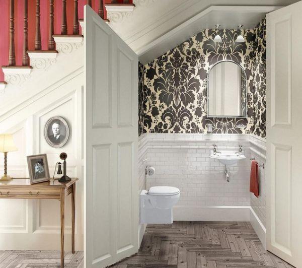 استفاده از فضای زیر دستگاه پله(دستشویی)